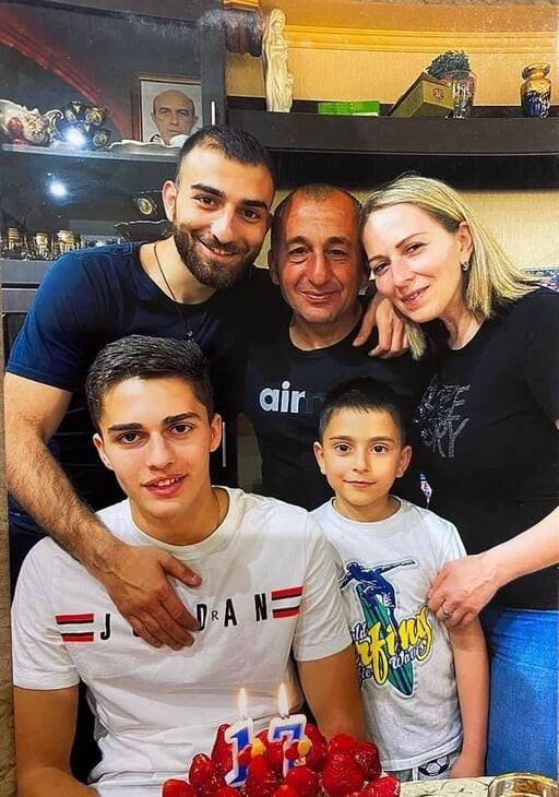 Arsen Zakharyan: Yêu thích Cristiano Ronaldo, nhưng chơi bóng giống… Igor Dobrovolsky ảnh 3