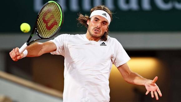 """Roland Garros: """"Hoàng tử sân đất nện"""" Dominic Thiem bị loại ngay trong ngày mở màn ảnh 3"""