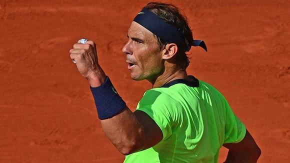 """Roland Garros: """"Đại chiến Titan"""" - Djokovic """"cải mệnh nghịch thiên"""" khi đấu Nadal? ảnh 1"""