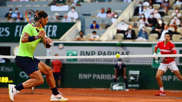 """Roland Garros: Chiến thắng """"nghịch thiên"""" của Djokovic và rào cản cuối cùng mang tên Tsitsipas ảnh 1"""