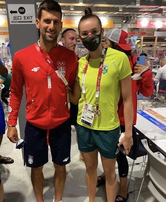 Novak Djokovic: Ngôi sao nổi tiếng số 1 ở Olympic, ai cũng muốn xin chữ ký và chụp hình ảnh 1