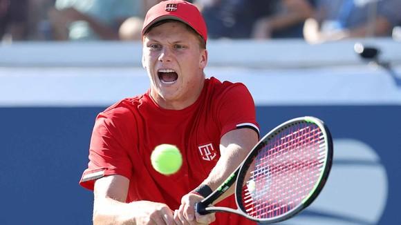 """US Open: Novak Djokovic khó khăn vượt qua 1/2 chặng đường săn """"Calendar Grand Slam"""" ảnh 1"""