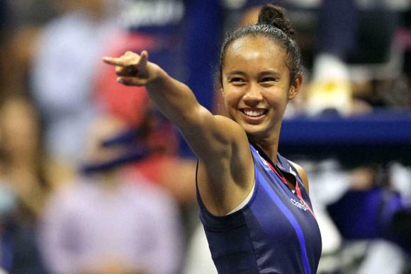 """""""Quý cô người Anh"""" Emma Raducanu: Được Li Na truyền cảm hứng khi còn nhỏ, đấu Leylah Fernandez lần đầu hồi năm 16 tuổi ảnh 4"""