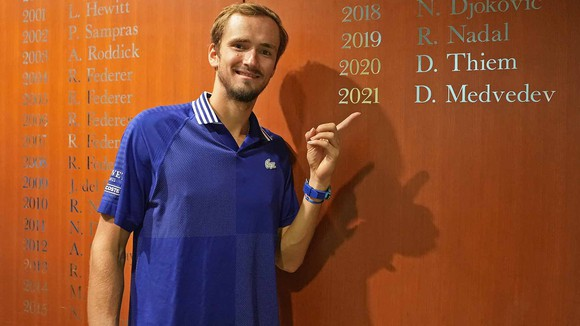 """US Open: Đến lượt Daniil Medvedev """"báo thù"""" Novak Djokovic, thừa kế di sản của The Safinator ảnh 2"""