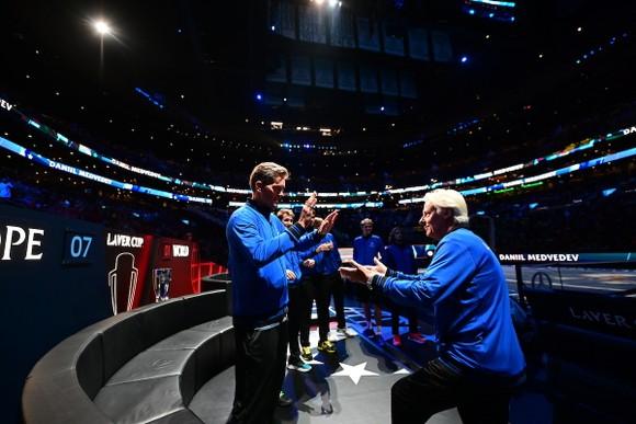 """Laver Cup: Tsitsipas, Zverev, Medvedev và Rublev """"tàn sát"""" đội tuyển thế giới, giúp châu Âu dẫn 11-1 ảnh 6"""