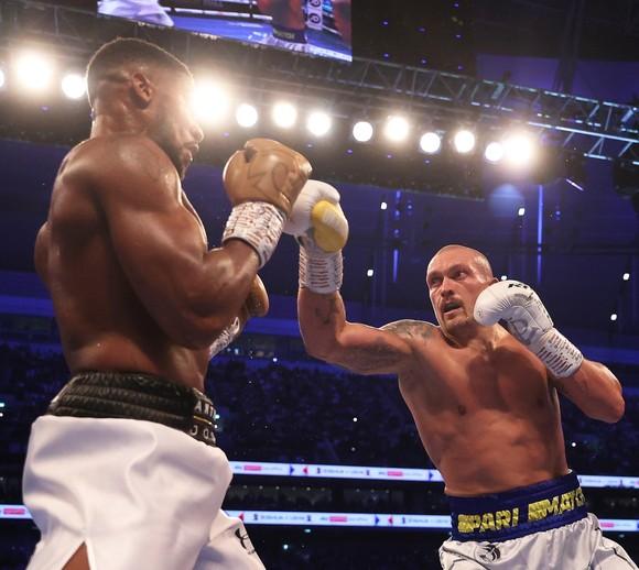 """Anthony Joshua vs Oleksandr Usyk: """"Miêu hiệp"""" cắt tỉa AJ """"cơ bắp"""", suýt thắng KO khiến cả Ukraine bùng nổ ảnh 1"""