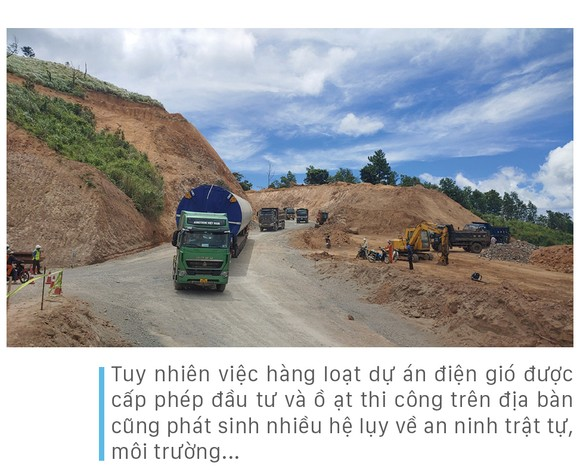 Trên đại công trường điện gió ở huyện miền núi Quảng Trị ảnh 20