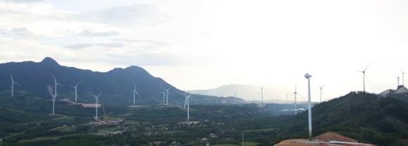 Trên đại công trường điện gió ở huyện miền núi Quảng Trị ảnh 24