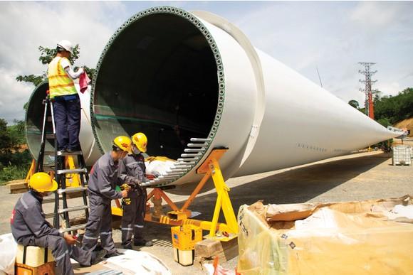 Trên đại công trường điện gió ở huyện miền núi Quảng Trị ảnh 8