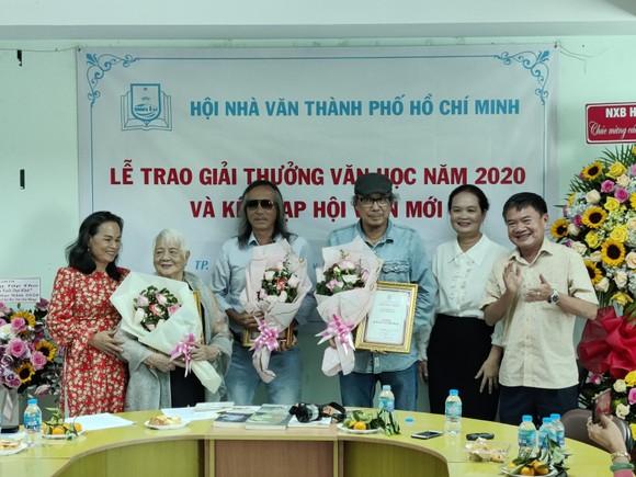 Giải thưởng Hội Nhà văn TPHCM 2020: Tôn vinh những tác phẩm phi hư cấu  ảnh 3