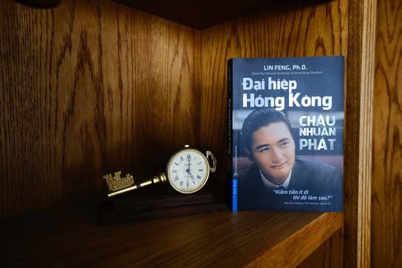 Ra mắt sách về Châu Nhuận Phát, ngôi sao 'vô tiền khoáng hậu' của Hồng Kông ảnh 1