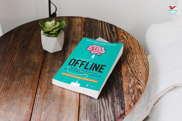 Cuốn sách 'vạch trần' hệ lụy từ điện thoại thông minh và mạng xã hội  ảnh 1