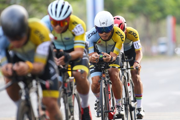 Giải đua xe đạp phong trào TPHCM mừng xuân Tân Sửu 2021: 250 VĐV tham dự ảnh 4