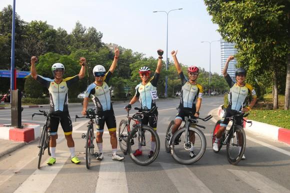 Giải đua xe đạp phong trào TPHCM mừng xuân Tân Sửu 2021: 250 VĐV tham dự ảnh 8
