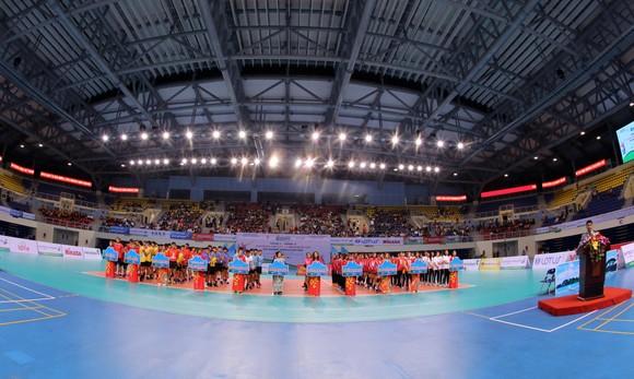 Giải bóng chuyền VĐQG 2021: Những khoảnh khắc ấn tượng trong ngày khai mạc ảnh 3