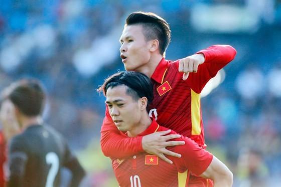 Giá trị của đội tuyển Việt Nam tăng lên nhưng vẫn kém Messi Thái ảnh 1