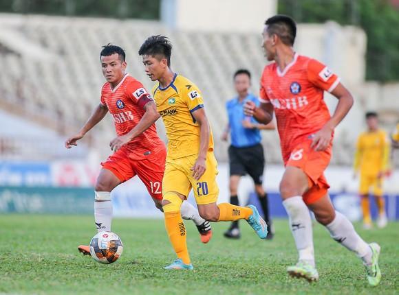 Vòng 6 LS V-League 2020: 'Nóng' trên sân Vinh ảnh 2