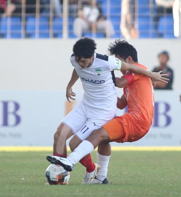 Đức Chinh ghi bàn, CLB Đà Nẵng thắng đậm HAGL ảnh 1