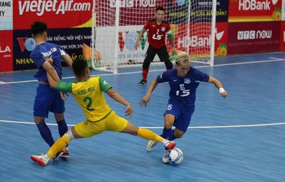 Liên tiếp thắng 2 đội chủ nhà, Thái Sơn Nam củng cố ngôi đầu bảng ảnh 2