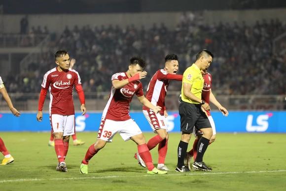 CLB Hà Nội giành 3 điểm quý giá trên sân Thống Nhất  ảnh 1