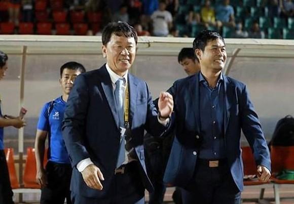 """Ông Thắng trở lại """"ghế nóng"""" trong giai đoạn tăng tốc ở V-League. Ảnh: Nguyễn Hoàng"""