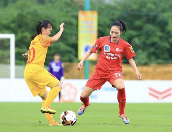 Vòng 4 giải bóng đá nữ VĐQG 2020: Huỳnh Như và các đồng đội thẳng tiến ở ngôi đầu ảnh 1