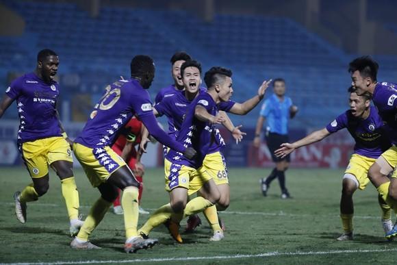 Quang Hải đưa CLB Hà Nội dẫn đầu LS V-League 2020 ảnh 1