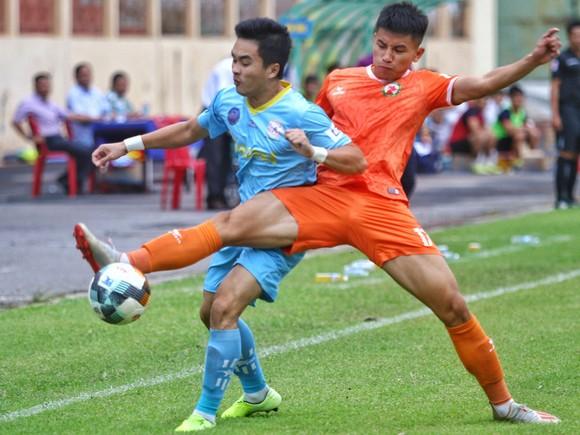 Đua thăng hạng V-League: Khi cơ trao tay đội bóng đất Võ  ảnh 1