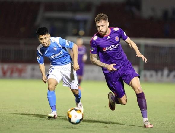 CLB Sài Gòn thu hẹp khoảng cách với đội đầu bảng Viettel  ảnh 1