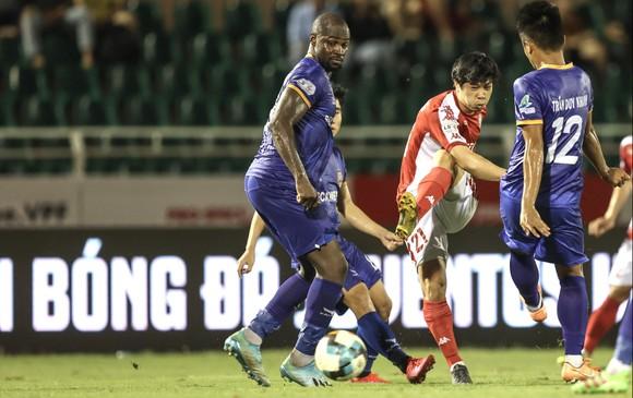 CLB TPHCM chỉ giành được 1 điểm trong ngày chia tay V-League 2020 ảnh 2