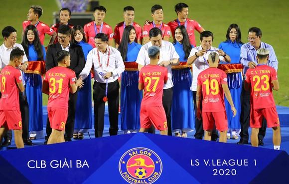 Gần 2/3 đội hình đã chia tay Sài Gòn FC, hầu hết gia nhập Hà Nội FC và Quảng Nam