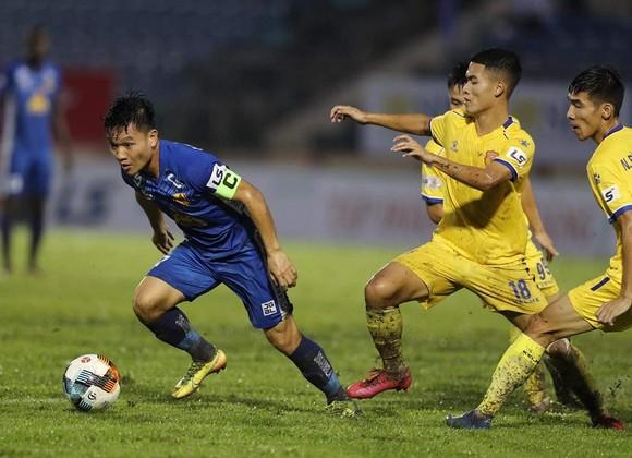 CLB Quảng Nam liên tục 'chốt đơn' V-League ảnh 2