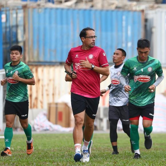 Lee Nguyễn sẵn sàng ra sân ở trận gặp Hà Tĩnh ảnh 1