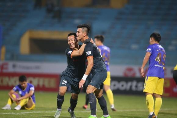 Sân Quy Nhơn được chọn làm khai mạc Cúp Quốc gia 2021 ảnh 1