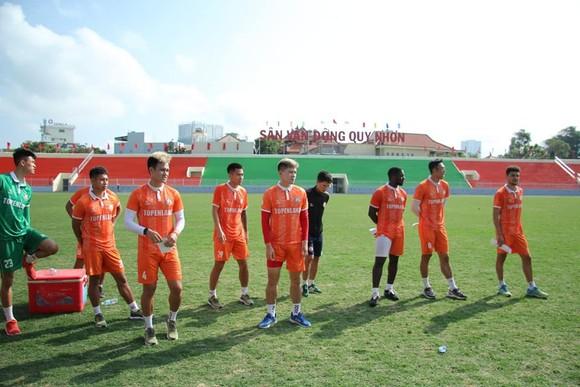 Đội Bình Định đã có những buổi tập đầu tiên trên sân Quy Nhơn