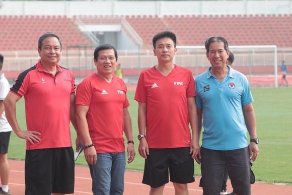 Cựu trọng tài FIFA Việt Nam sắp trở thành thầy giáo  ảnh 2