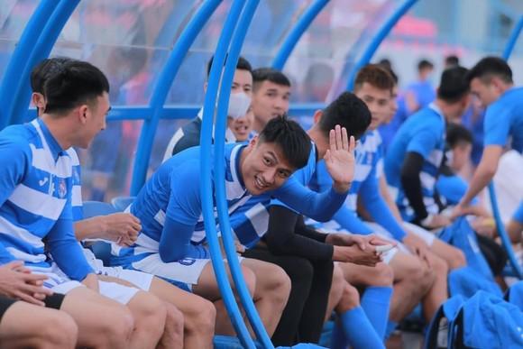 Cầu thủ Than Quảng Ninh lại bức xúc, đồng loạt đòi nợ ảnh 1