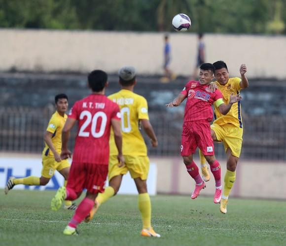 Quảng Nam loại Sài Gòn FC ở Cúp QG 2021vòng 1