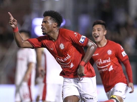 CLB TPHCM cầm hòa Viettel sau bàn thắng gây tranh cãi ảnh 2