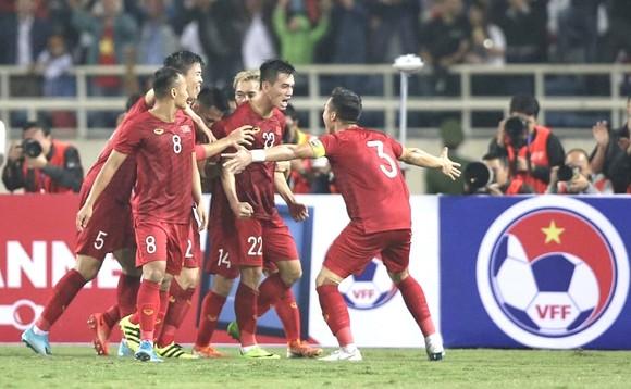 Anh Đức, Văn Triền, Văn Vũ... không cùng đội tuyển Việt Nam sang UAE ảnh 1
