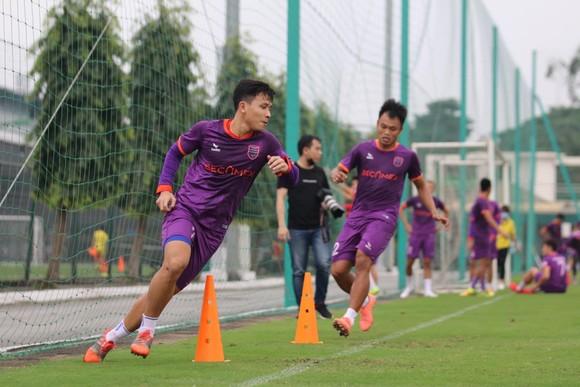 Các CLB V-League thận trọng với Covid-19 ảnh 2