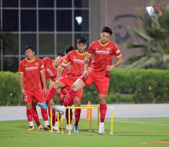 Các cầu thủ Việt Nam được cập nhật quy định mới của FIFA ảnh 2
