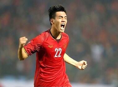 Thắng đậm Indonesia 4-0, Việt Nam giữ vững ngôi đầu bảng ảnh 2