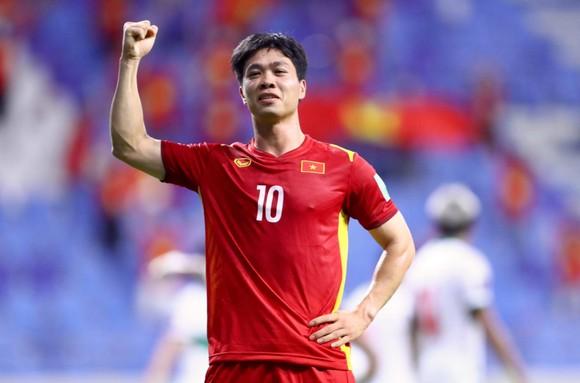 Thắng đậm Indonesia 4-0, Việt Nam giữ vững ngôi đầu bảng ảnh 3