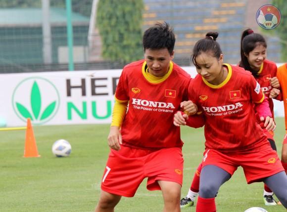 Đội tuyển nữ Việt Nam hội đủ quân số, chuẩn bị tiến hành tiêm vaccine ảnh 1