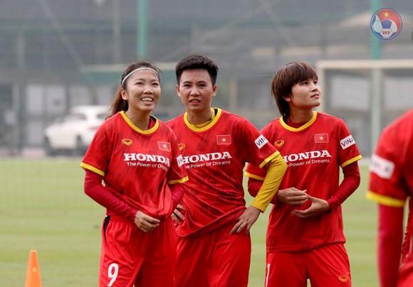 Đội tuyển nữ Việt Nam được tiêm vaccine phòng Covie-19 ảnh 1