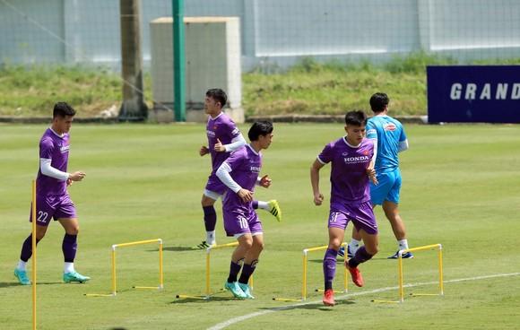 Tiền vệ Đức Huy tự tin trước trận gặp Trung Quốc ảnh 1