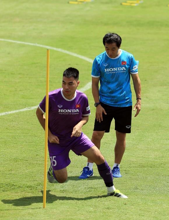Tiền vệ Đức Huy tự tin trước trận gặp Trung Quốc ảnh 7