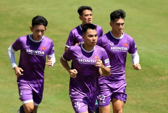 Tiền vệ Đức Huy tự tin trước trận gặp Trung Quốc ảnh 6