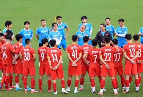 Thành Chung trở lại, thầy trò HLV Park Hang-seo hối hả chuẩn bị trận gặp Trung Quốc ảnh 1